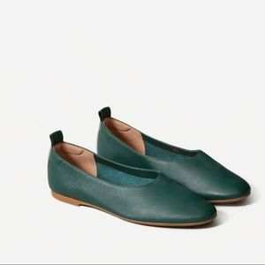 NEW Everlane The Day Glove green flats size 5